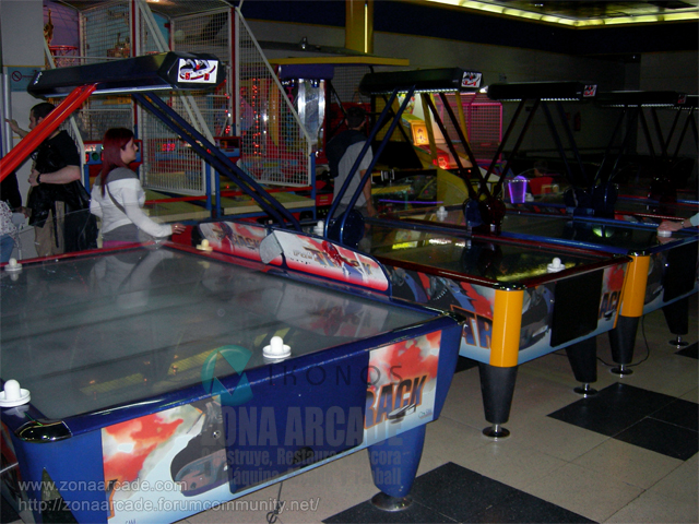 "Mesas de ""AIR HOCKEY""."